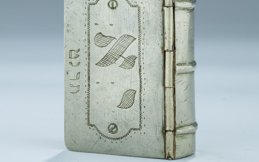 28. A Book Shaped Snuff Box