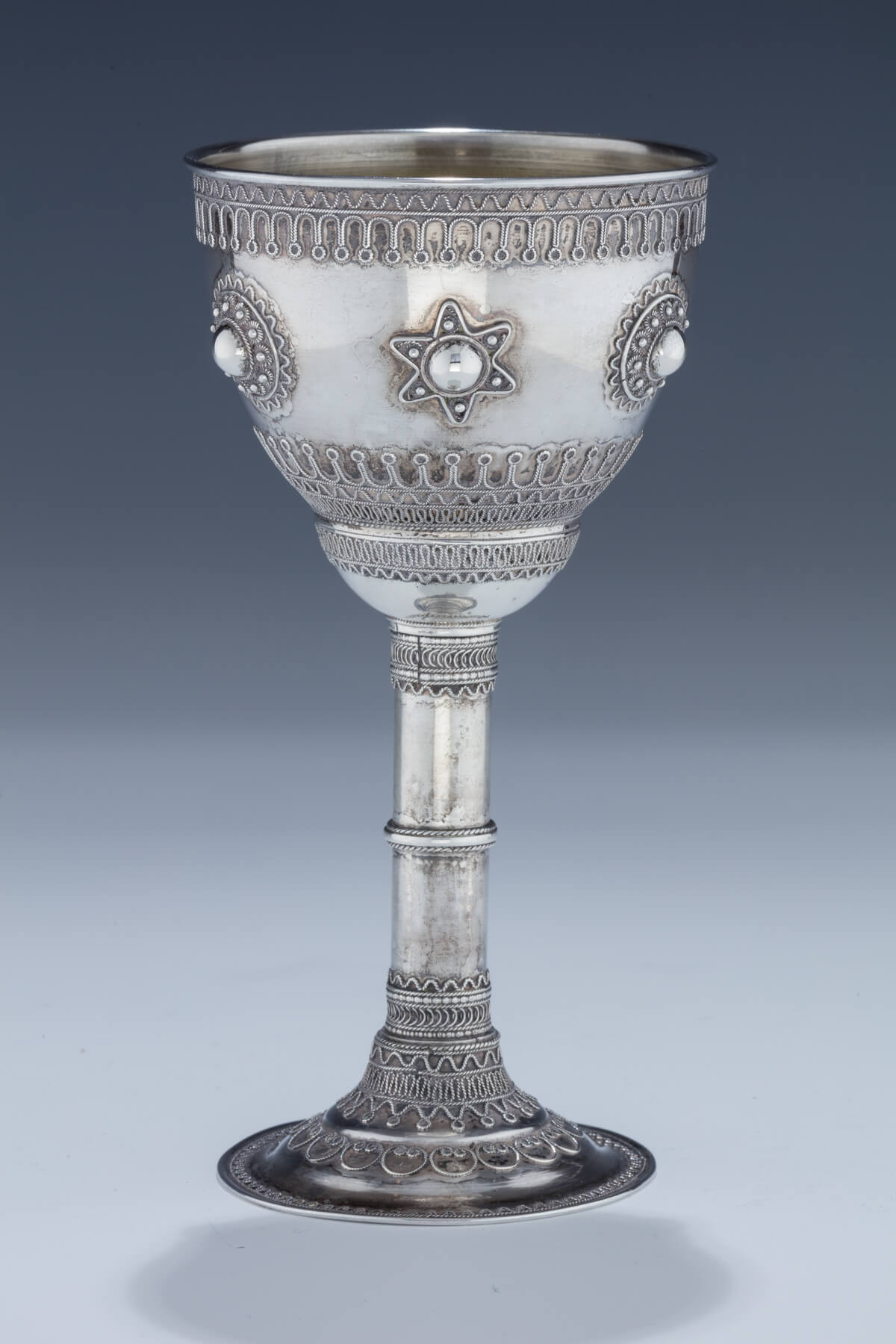 087. An Early Silver Kiddush Goblet