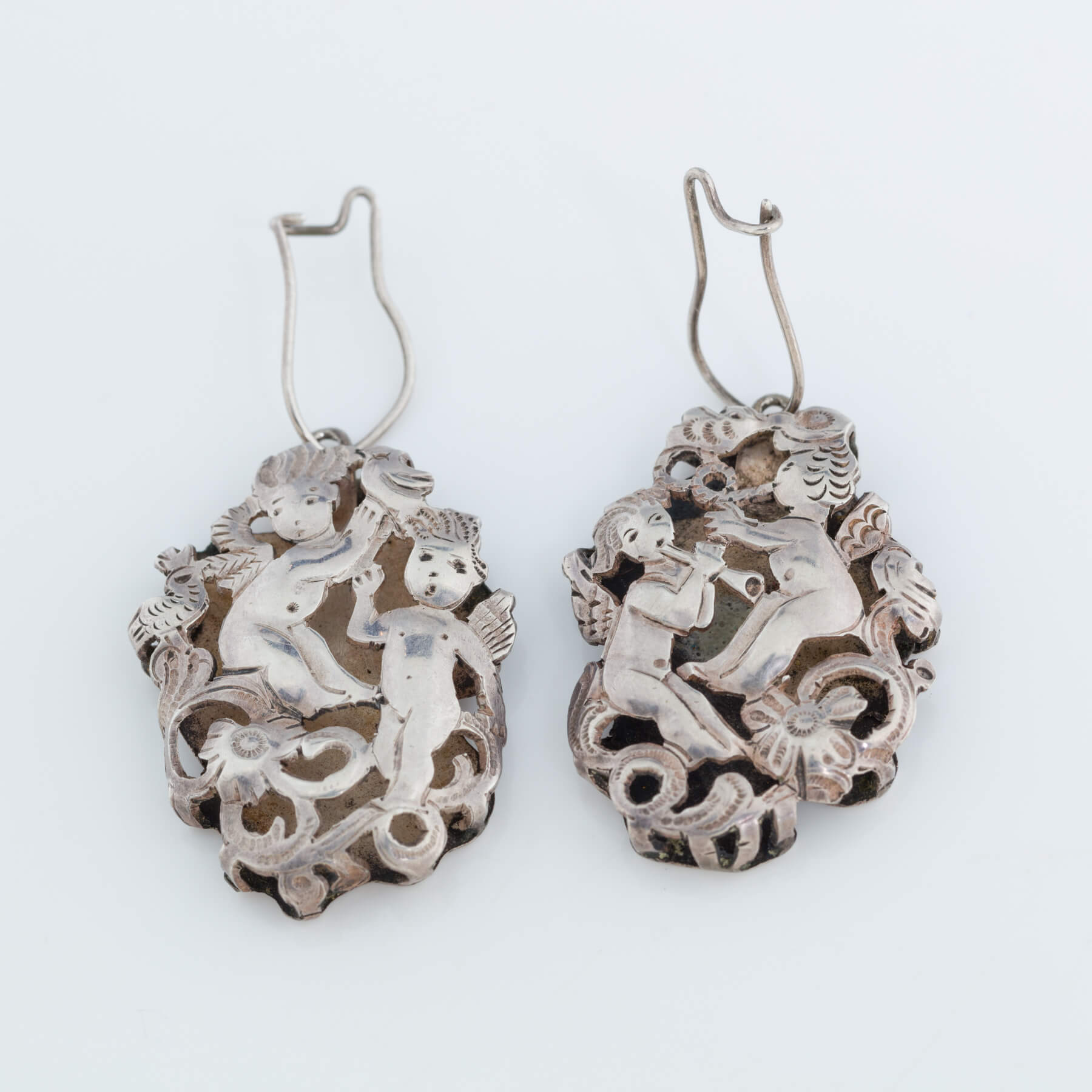 182. A Pair of Sterling Silver Earrings by Ilya Schor