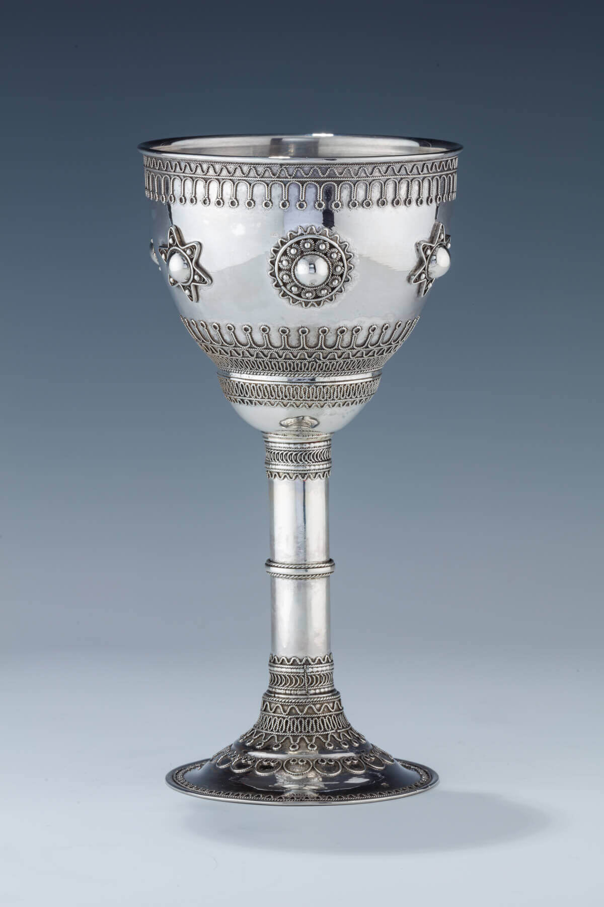 024. A LARGE STERLING SILVER KIDDUSH GOBLET