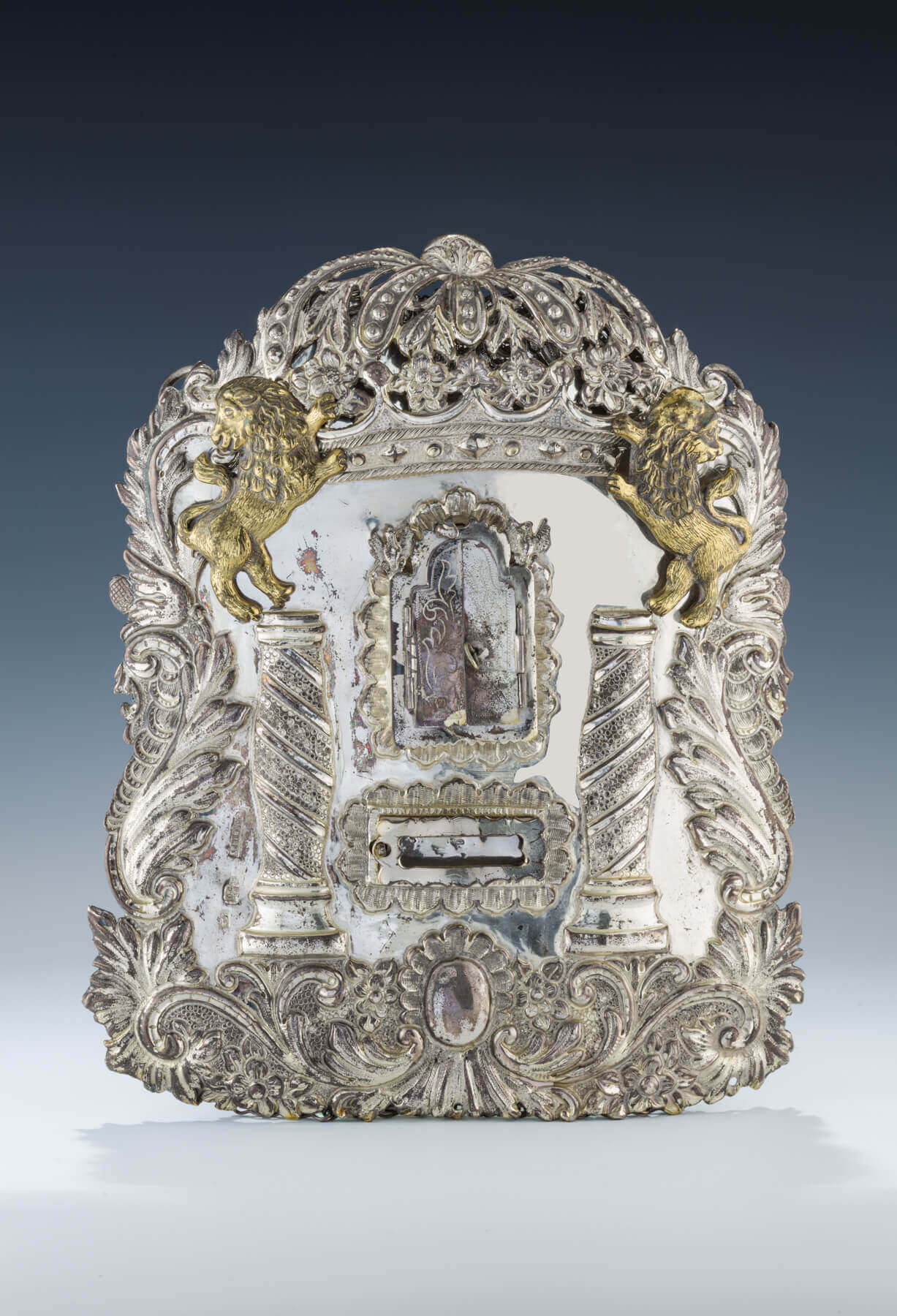 131. A SILVER TORAH SHIELD