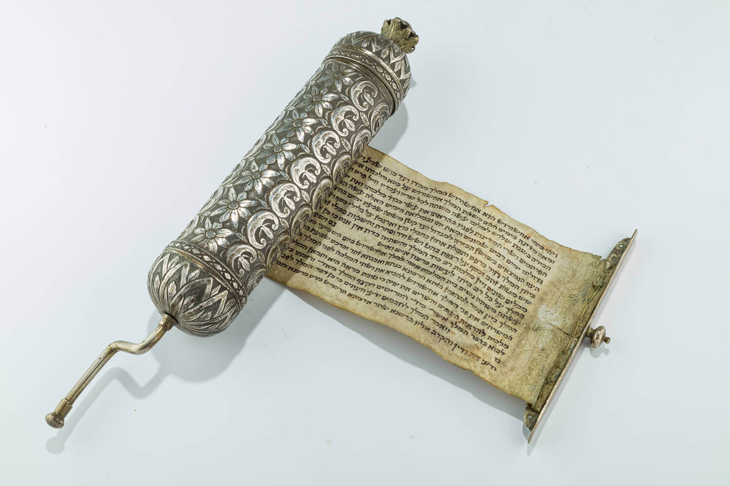 079. A SILVER MEGILLAH CASE WITH ORIGINAL MEGILLAH