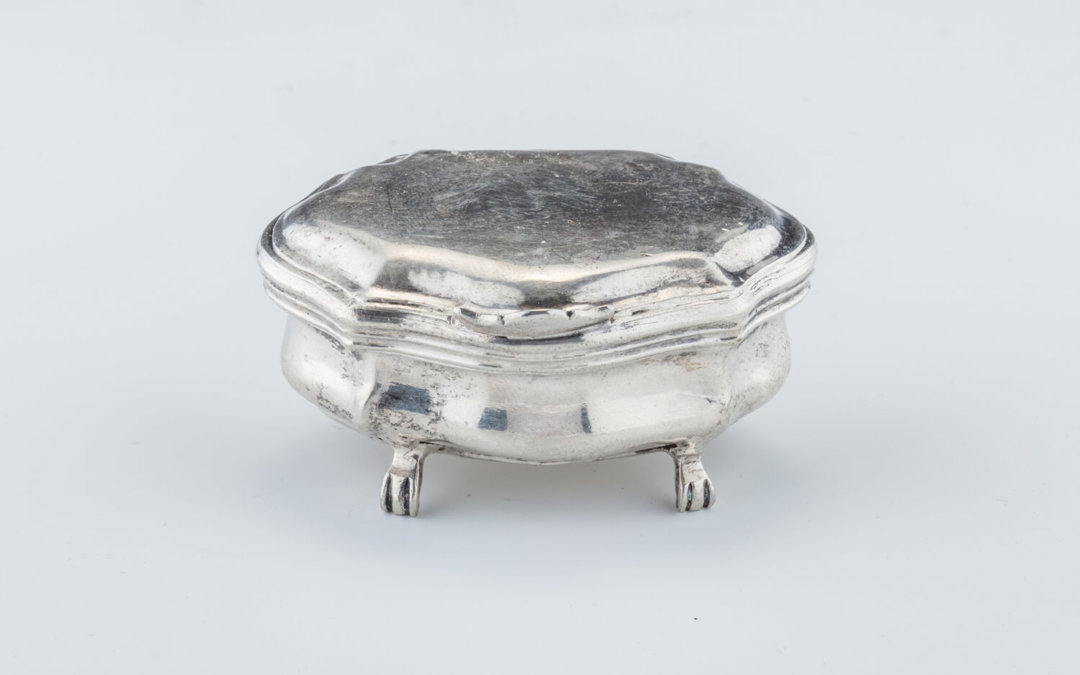 007. A SILVER SPICE CONTAINER
