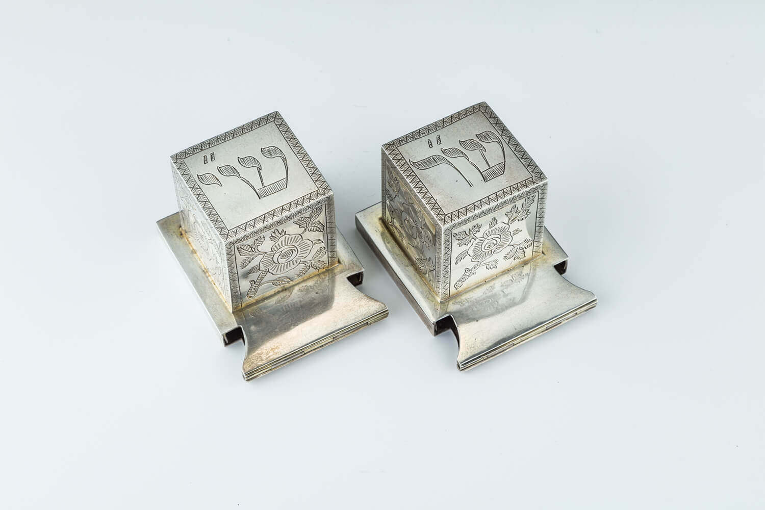 096. A LARGE PAIR OF SILVER TEFILLIN CASES
