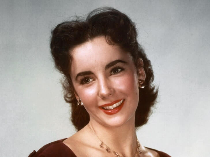 TMZ: Elizabeth Taylor's Menorahs to be Auctioned Off After Hanukkah Display