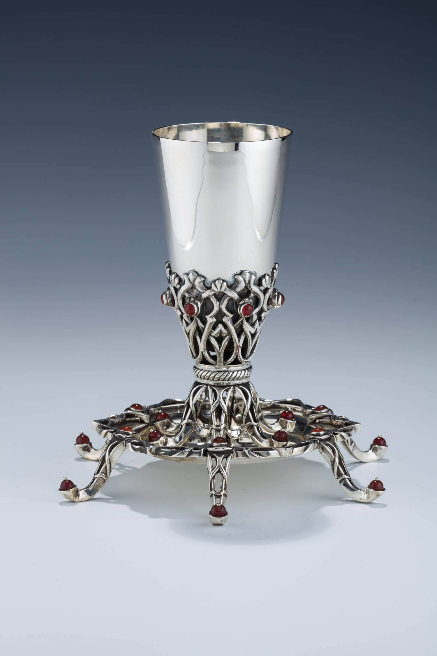 097. A STERLING SILVER KIDDUSH CUP BY BENNY DABBAH
