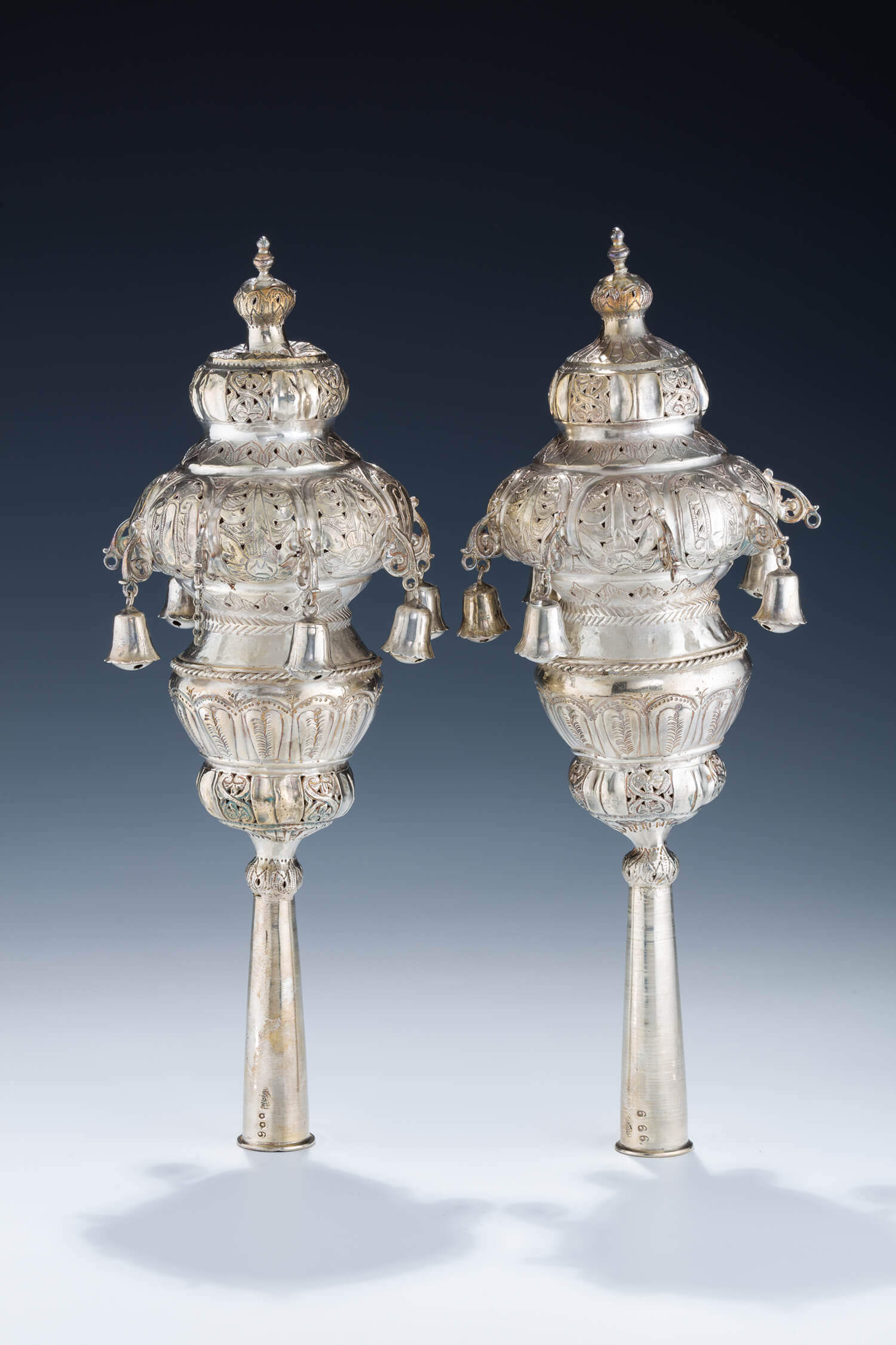 033. A PAIR OF PURE SILVER TORAH FINIALS