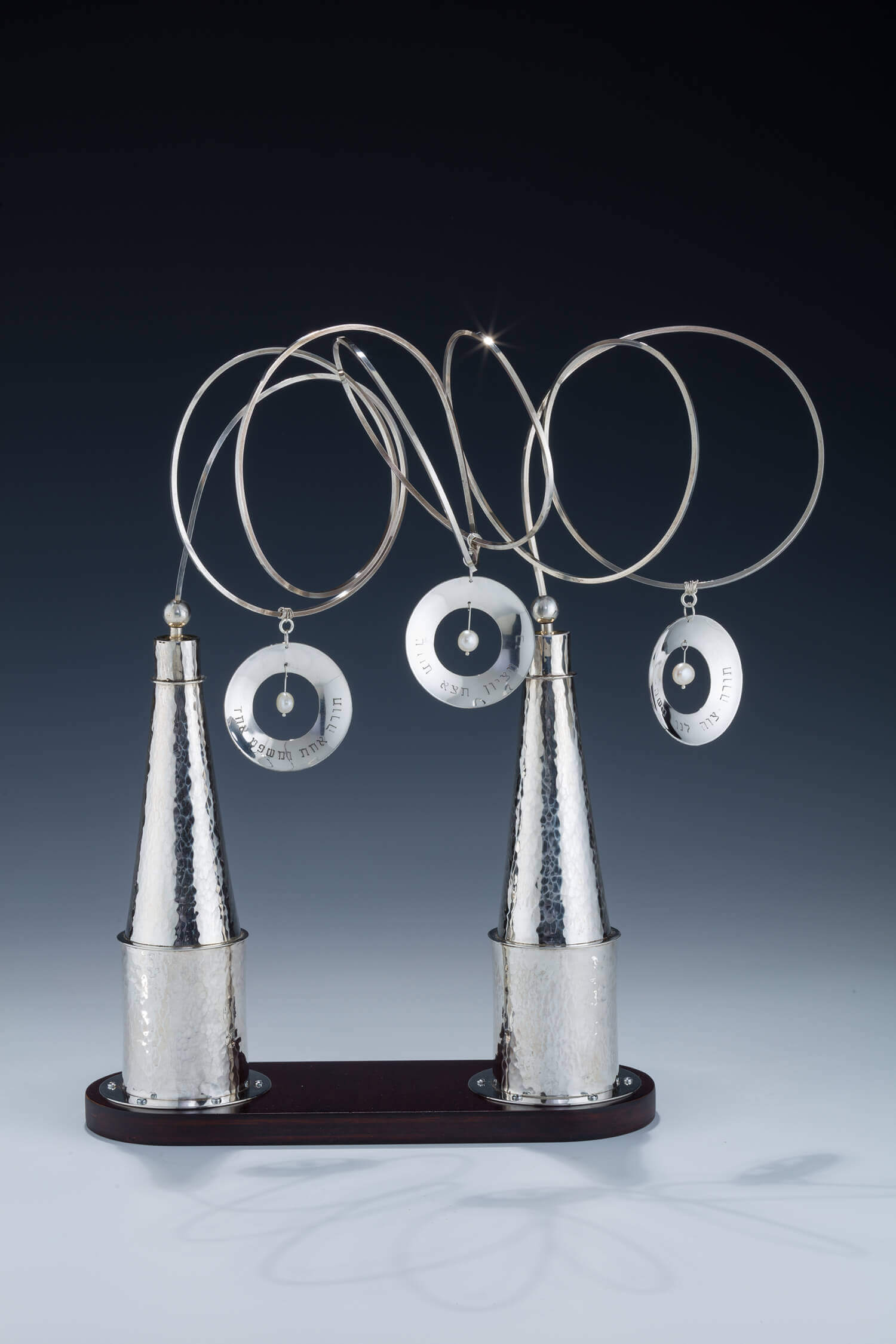 103. A PAIR OF SILVER TORAH FINIALS BY ALEXANDER AND LORELEI GRUSS